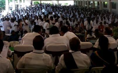 தமிழ்நாடு காங்கிரஸ் கமிட்டி தலைவர் திரு.ஈ.வெ.கி.ச.இளங்கோவன் அவர்களது தலைமையில் திருப்பூரில் 3வது மண்டல காங்கிரஸ் நிர்வாகிகள் மாநாடு  தற்போது நடைபெற்றுக் கொண்டிருக்கிறது.