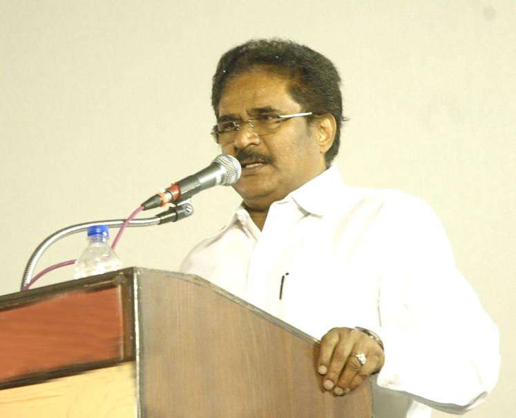 Thirunavukkarasar at Kamala Theatre Owner VN Chidambaram Ninaivu Anjali Photos