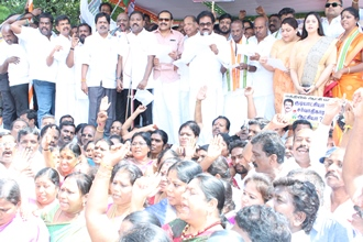 பாஜக தலைமையிலான மத்திய அரசின் சர்வாதிகார போக்கை கண்டித்து தமிழ்நாடு காங்கிரஸ் கமிட்டி கண்டன ஆர்ப்பாட்டம்.